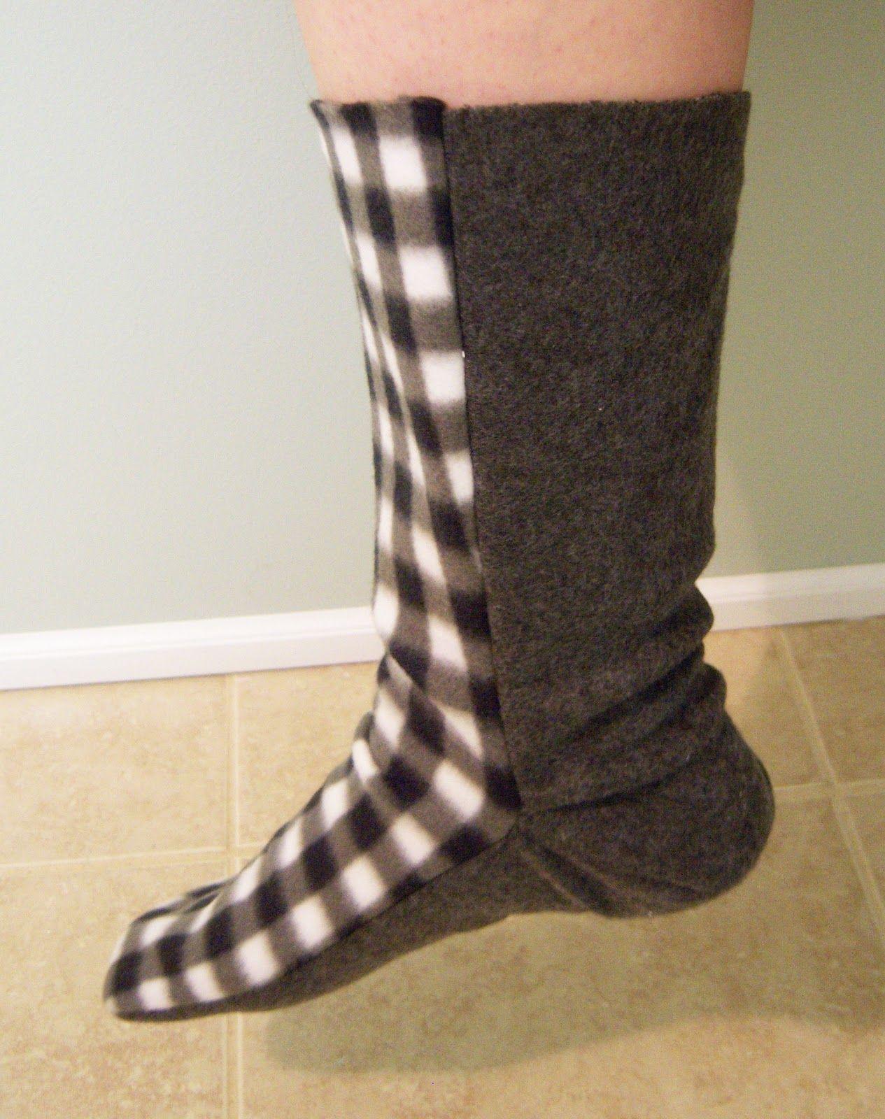 Free Fleece Sock Sewing Pattern | Fleece Sock Tutorial | Sewing - Free Printable Fleece Sock Pattern